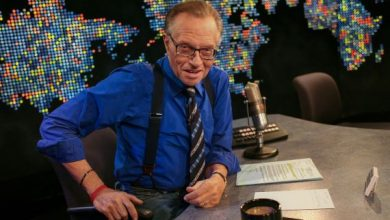 Photo of Larry King, Sang Friendly Interrogator,Meninggal di usia 87 tahun